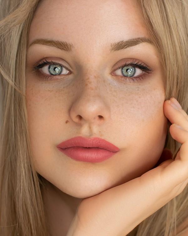 peau jeune femme