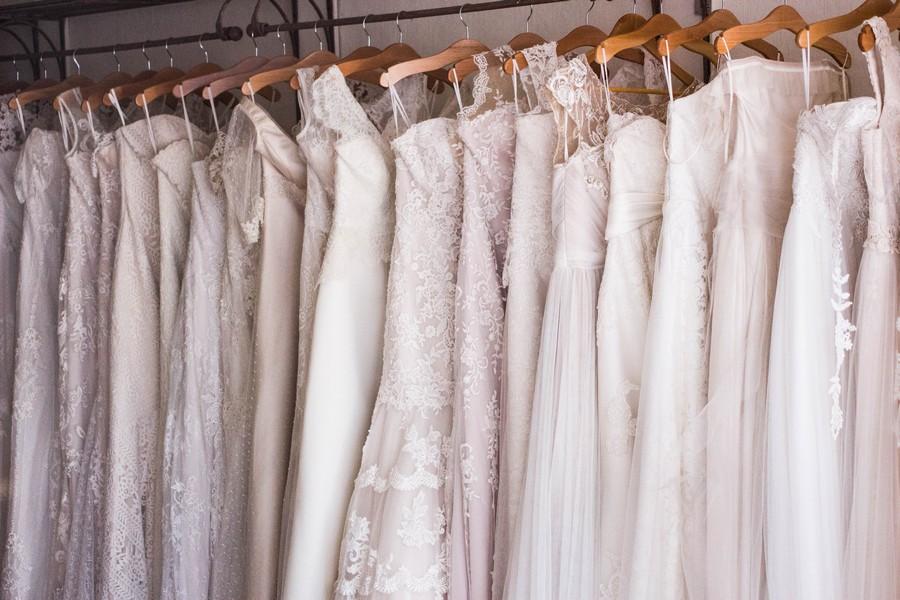 robes de mariée en magasin