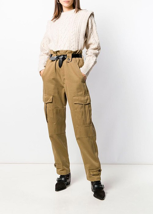 zoom sur un pantalon cargo
