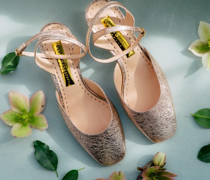chaussures à talon et à paillettes